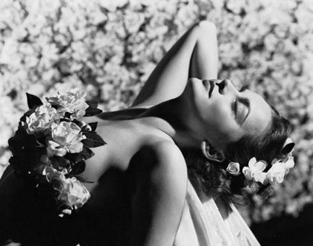 olivia de havilland glamour flowers2