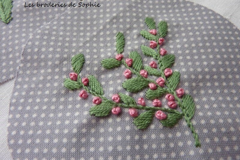 Broches brodées (9)