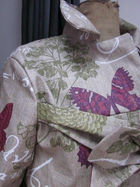 Ciré AGLAE en lin enduit brut orné de papillons prune (7)