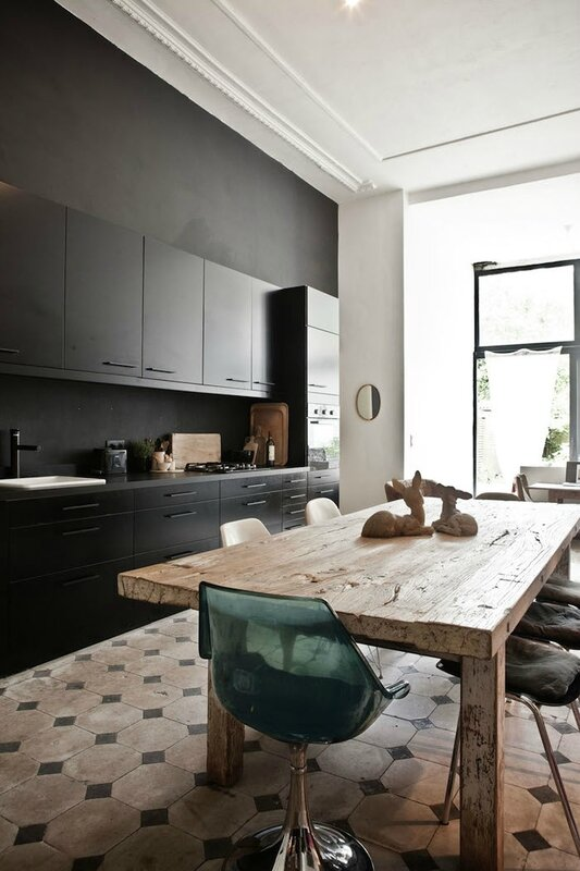 black-cabinets-tiles-wood-table-photo-karel-balas
