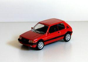 Peugeot 205 GTI de chez Norev (1
