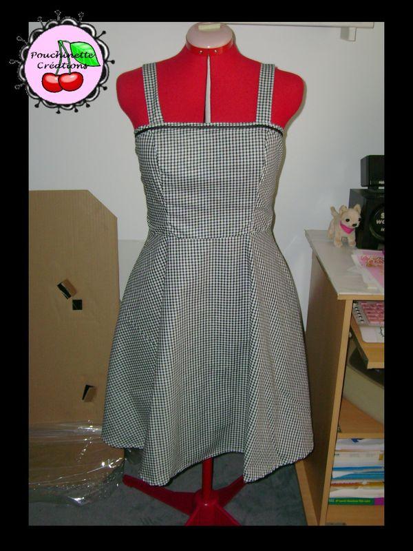 Robe Pin Up tissu vichy petits carreaux noir/blanc T40 52eur