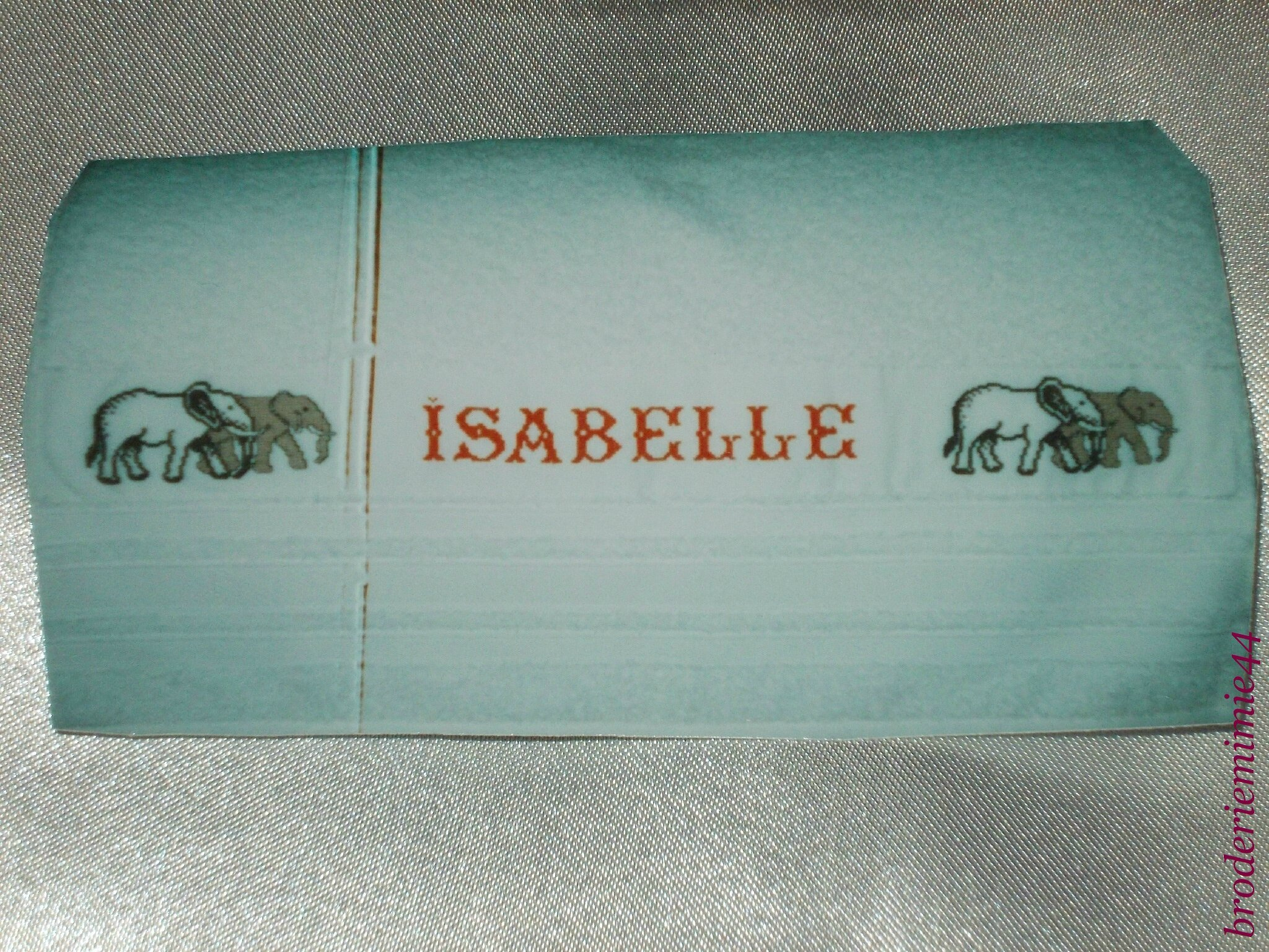 ISABELLE - ELEPHANTS