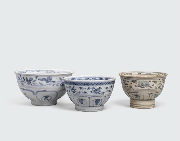 A group of three blue and white bowls with tall feet, Lê dynasty, 15th-16th century