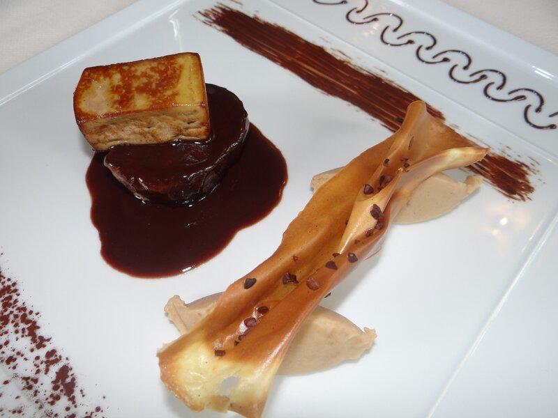 Étage de filet de biche, foie gras poêlé et purée Xocopili