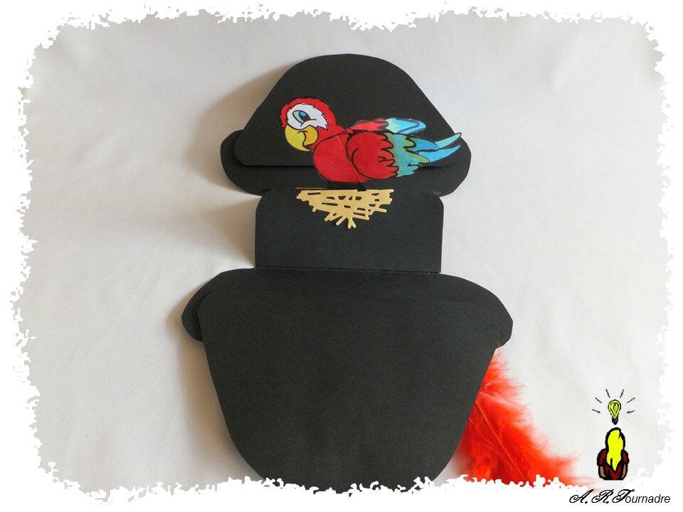 ART 2016 10 chapeau de pirate et perroquet 4