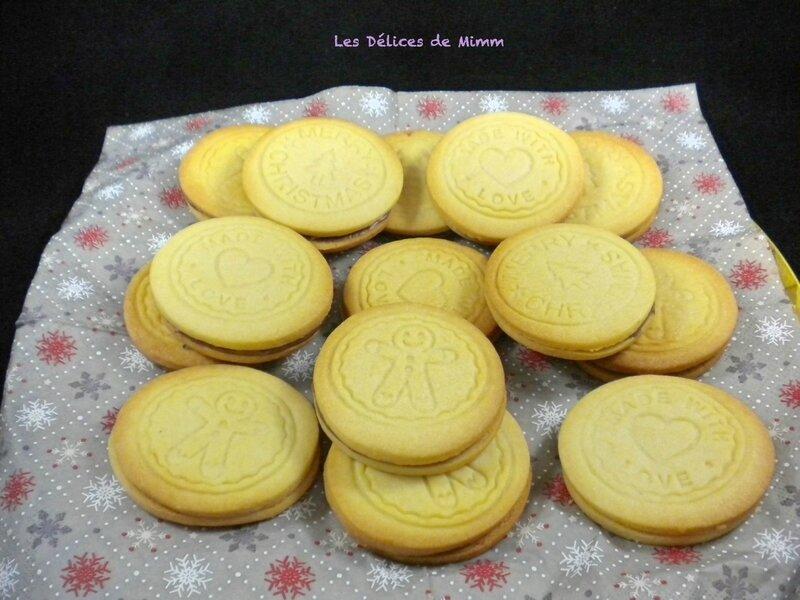 Biscuits de Noël fourrés à la pâte à tartiner 3