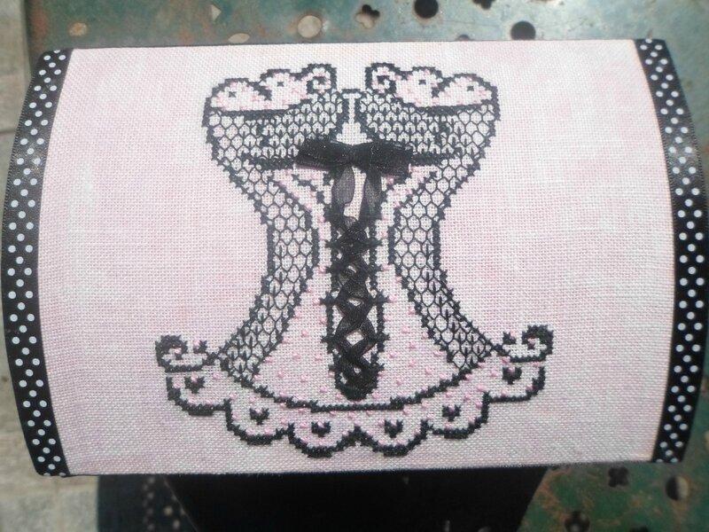 dessus de boite corset piatine