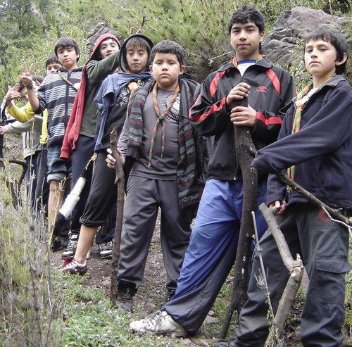 Los scouts del Grupo Jacques Sevin en campamento a la Leonera