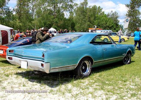 Oldsmobile delta 88 coupe holiday de 1965 (Retro Meus Auto Madine 2012) 02