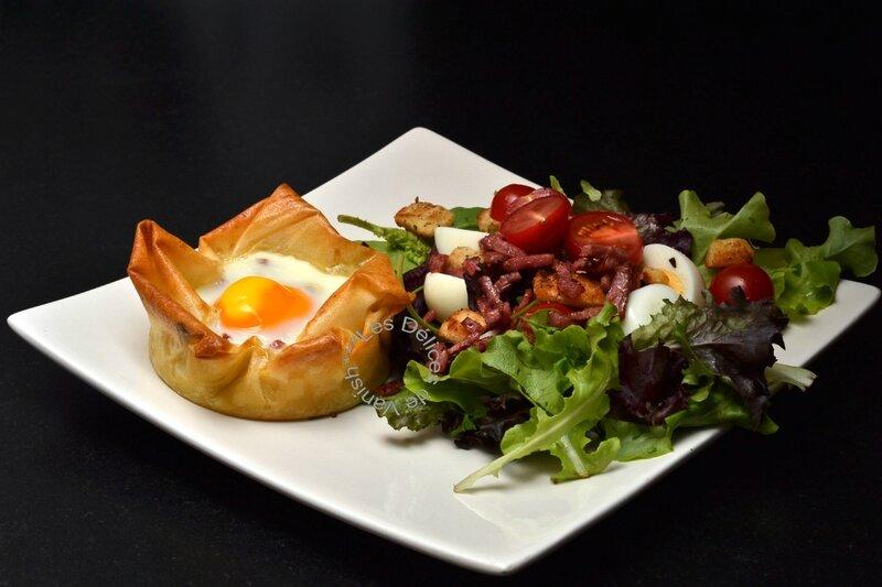 feuilleté surprise, salade aux croûtons maison, recette moule grands ronds