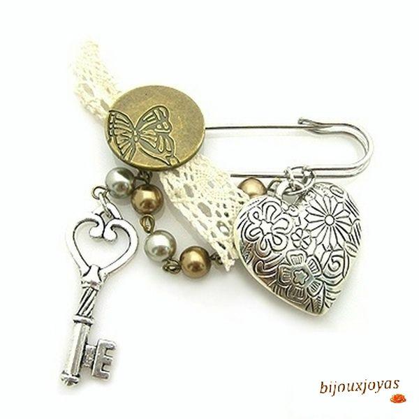 Broche Coeur Clé Dentelle Bouton Motif Papillon Perles