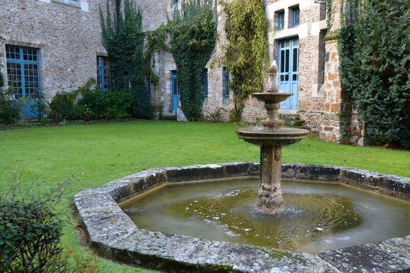 Abbaye des Vaux de Cernay 086-BorderMaker