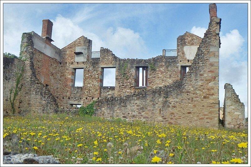 Oradour 120814 9 maison fleurs