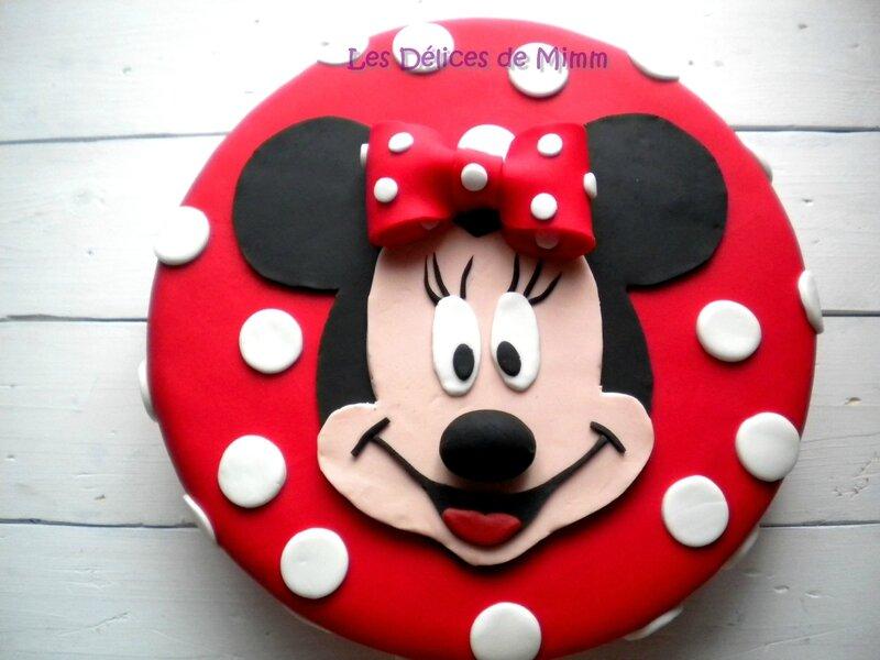 Encore un gâteau Minnie ! (pâte à sucre) 5