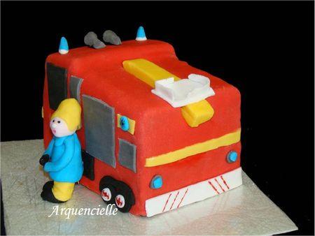 Gâteau Sam le pompier anglais dos fireman