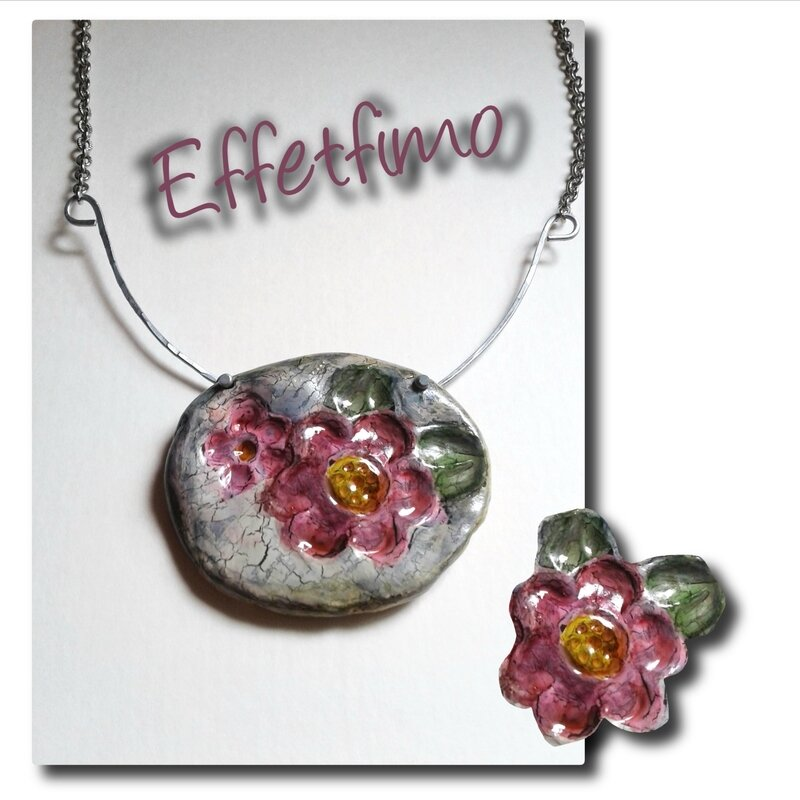 pendentif fleurs roses