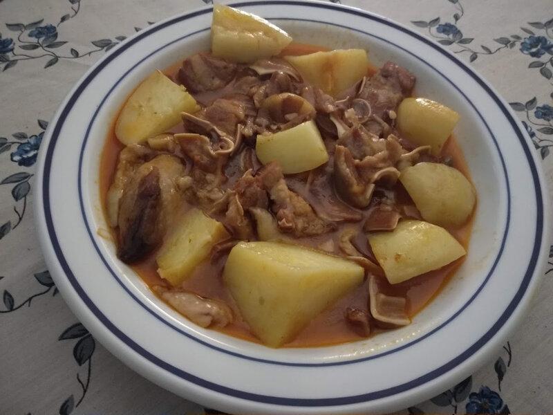 Oreilles de porc et pommes de terre au paprika et au citron