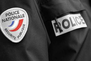 Police_insigne_coupe_vent
