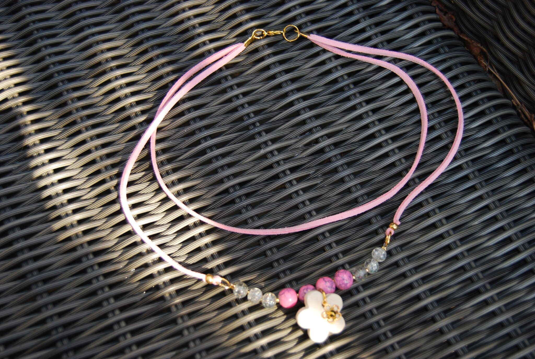 collier décalé daim rose (dispo)