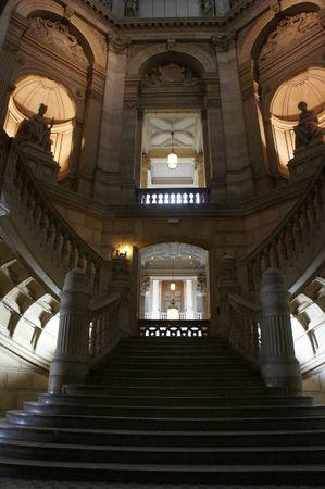 escalier_tribunal_commerce_lutetiablog_lutetia
