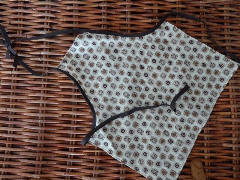 Tissu de mon stock, Mondial Tissus (acheté il y a 2 ans, il m'en reste une tonne!) et biais de ma mercière!