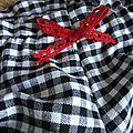 Culotte BIANCA en coton noir et blanc - noued de dentelle de coton rouge (1)