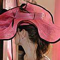 chapeau rose profil
