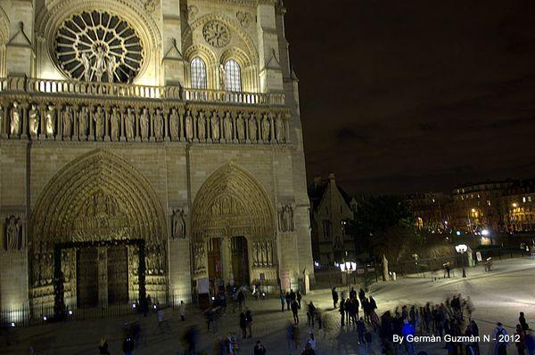 Notre Dame 850 044