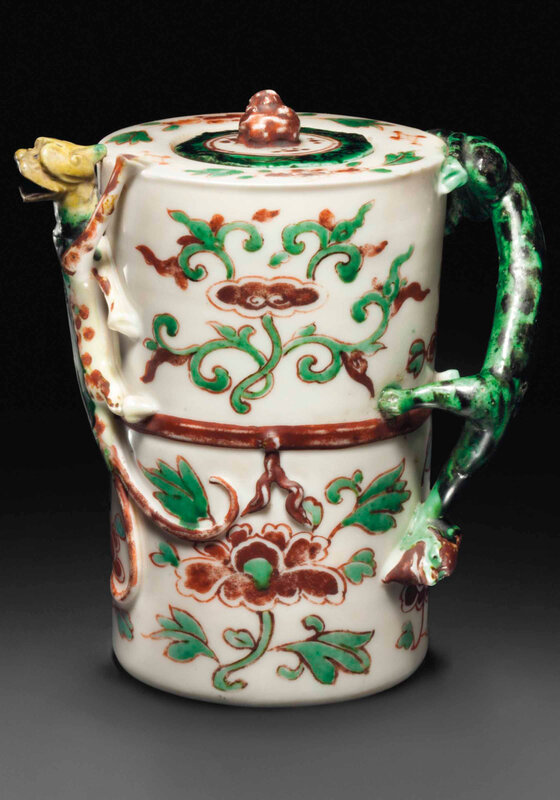 2014_NYR_02830_2125_000(an_unusual_wucai-enameled_dehua_wine_pot_and_cover_17th_century)