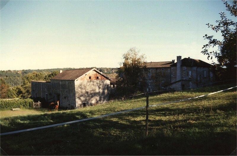 dépendances du château de Vignéras