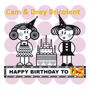 2220554-deux-girles-drole-avec-gateau-de-fete-en-vecteur-joyeux-anniversaire-a-nous