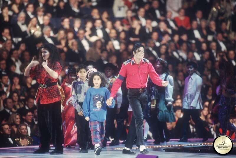 michael-performs-at-president-bill-clintons-inaugural-celebration(72)-m-17