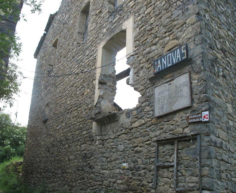 Janovas, village détruit (Espagne)
