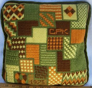 1975_bargello_needlepoint_pillow4