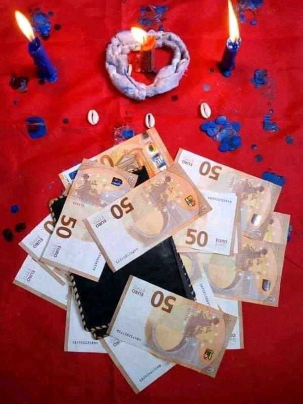 LE PORTEFEUILLE MAGIQUE D'ARGENT QUI PRODUIT L'EURO MARABOUT PUISSANT EN FRANCE PAPA DASSIH,GRAND ET PUISSANT,VRAI MAÎTRE MARA