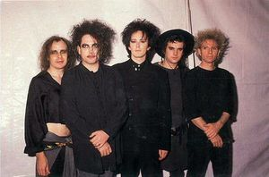 The_Cure_the_80s_875577_602_398