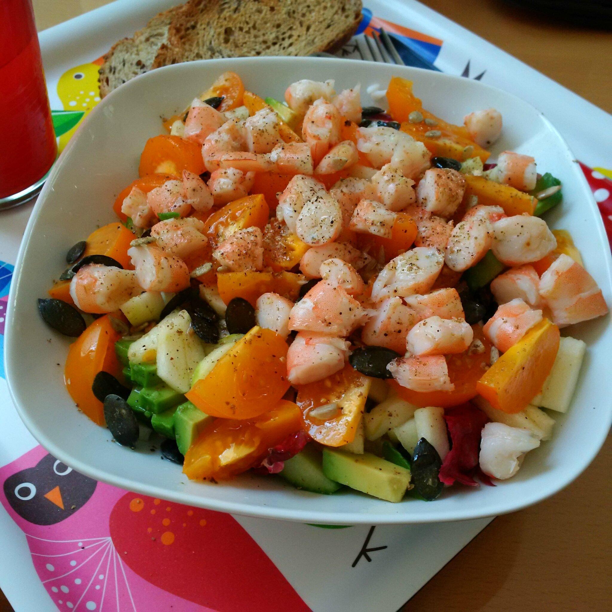 Salade colorée Avocat, Crevettes Pomme, Fenouil... etc