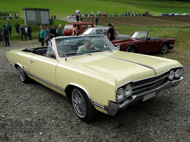 oldsmobile-cutlass-442-convertible-1965-01