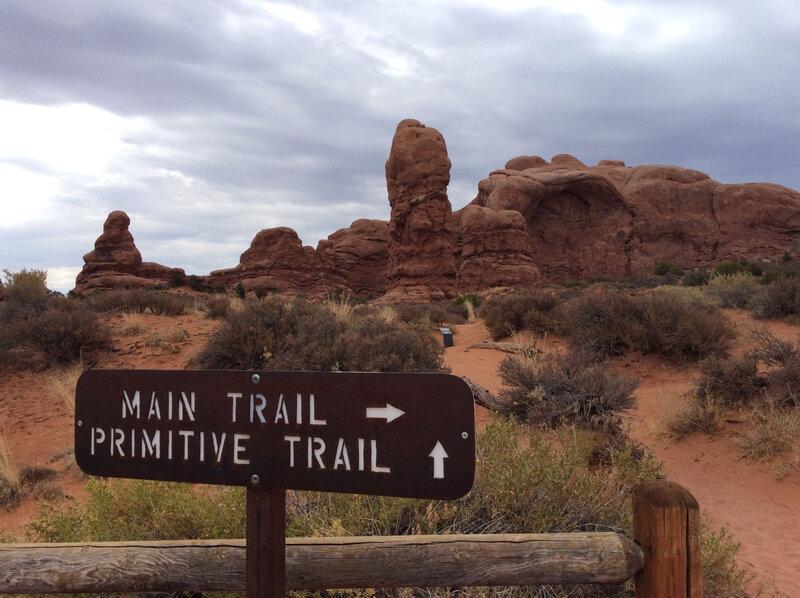 Primitive Trail Arches_etsionjasait