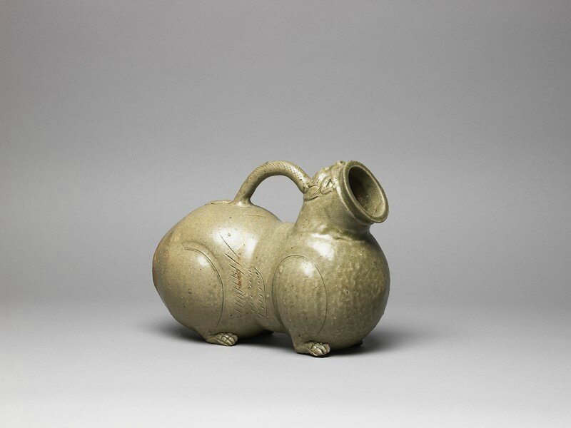 Greenware huzi, or chamber pot, in animal form, 2nd half of the 3rd century-4th century AD, Western Jin Dynasty (AD 265 - 316)