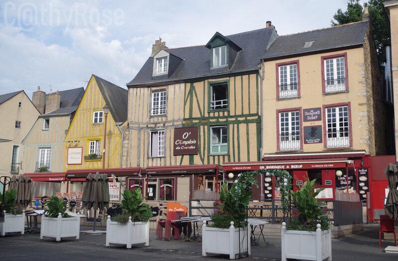 && place Saint Pierre