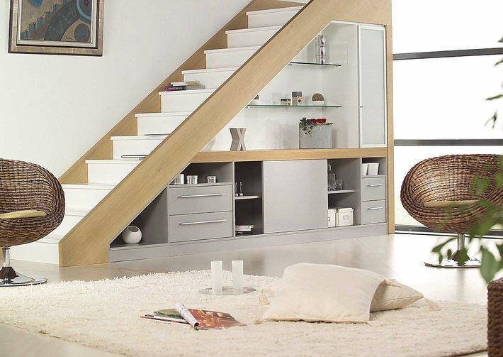 espace-rangement-sous-escalier
