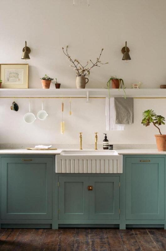 cuisine_campagne_chic_mint_arche_entree_madame_decore_evier_ceramique
