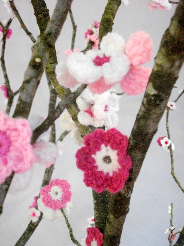 fleur-crochet-cerisier-japon-pour-amour-fil-branche