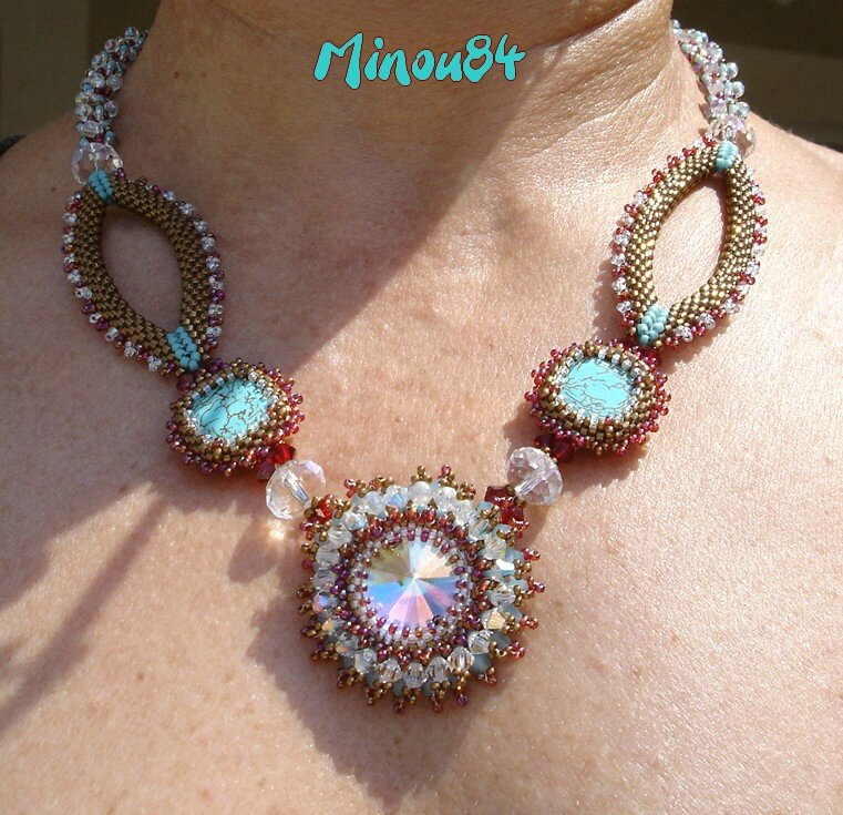 collier elegant crystal burst