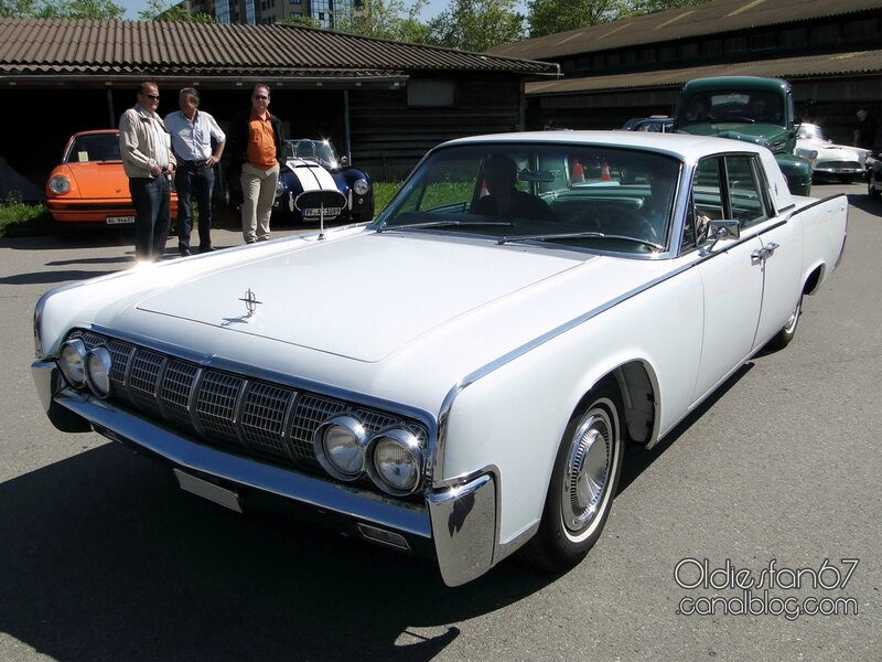 lincoln-continental-hardtop-pillared-sedan-1964-01