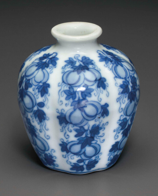 2015_NYR_03720_3166_000(a_miniature_blue_and_white_melon_jar_18th-19th_century)