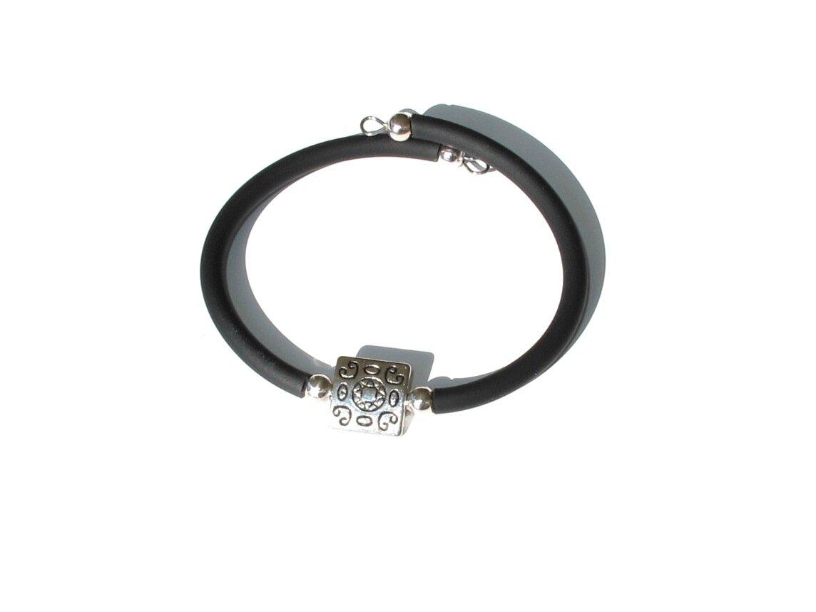 bracelet perle métal carré motif central soleil