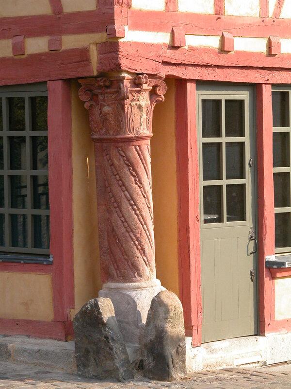 Vieux Mans 2006 32 - La Maison du Pilier Rouge